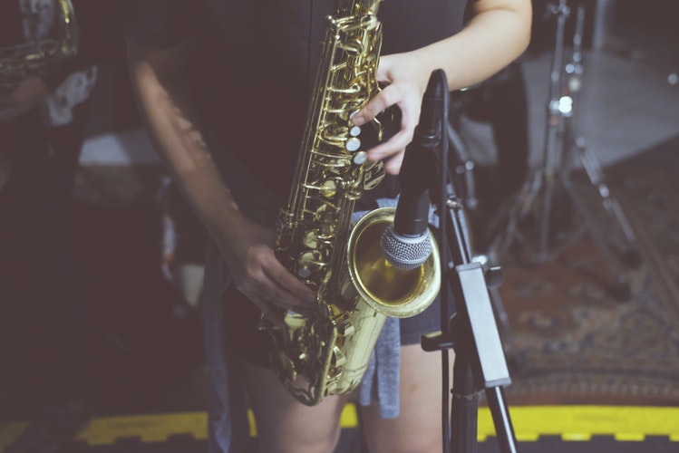 Best Alto Saxophones In 2019 – Top 10 Reviews & Buying Guide