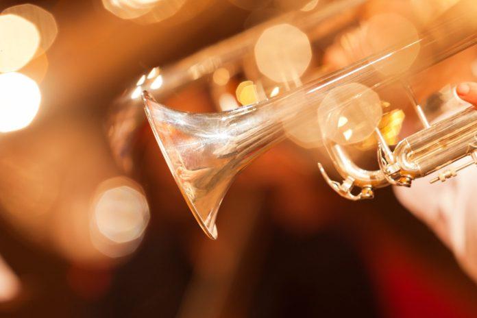mendini by cecilio gold trumpet