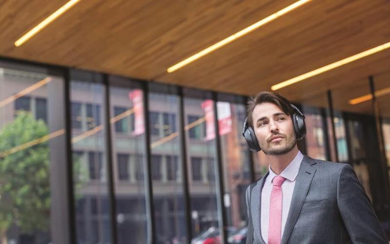Best Travel Headphones Guide